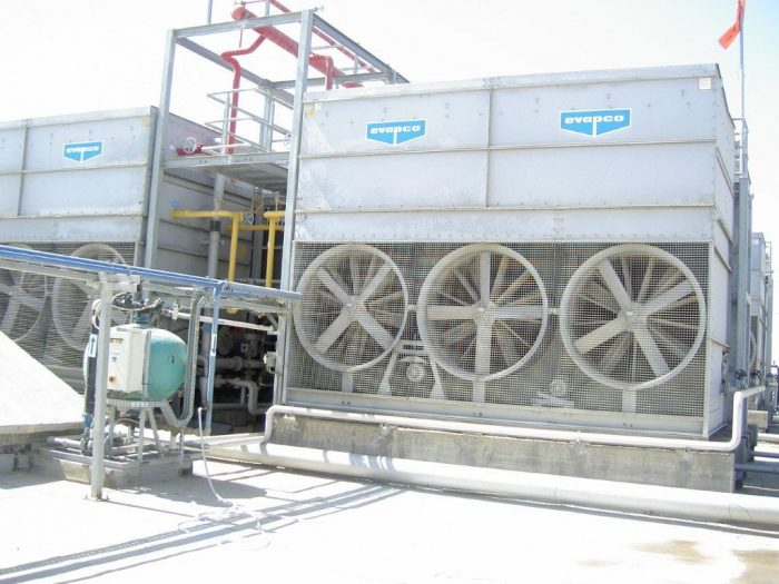 Evaporative condenser manufactured by the international company EVAPCO, which Krashin-Shalev represents in Israel since 1998.
